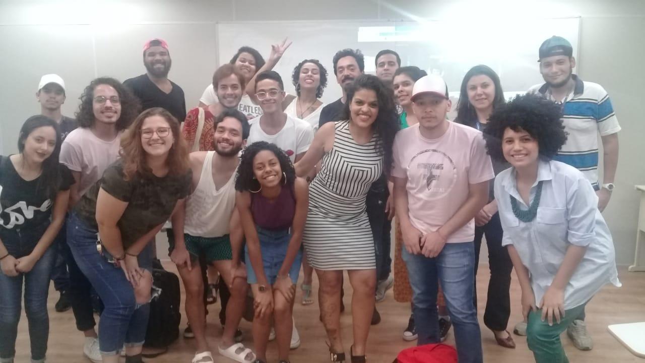 Palestra: Como criamos uma startup com Design Thinking a partir da necessidade de um aspirador de pó (Luciline Oliveira e Alexandre Hellis)